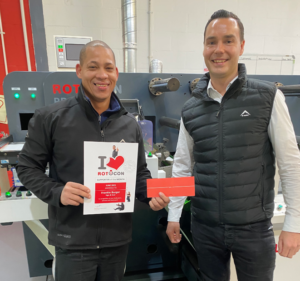 Frankie Burger from Sign & Seal, our June winner of the I ♥️ ROTOCON contest receiving his prizes from Pascal Aengenvoort